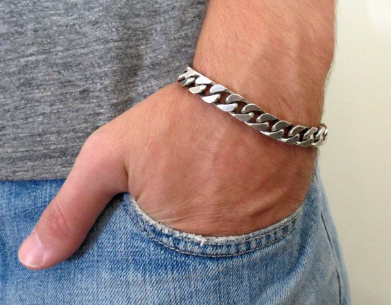 Smart Guide To Choose The Perfect Men's Silver Bracelets!
